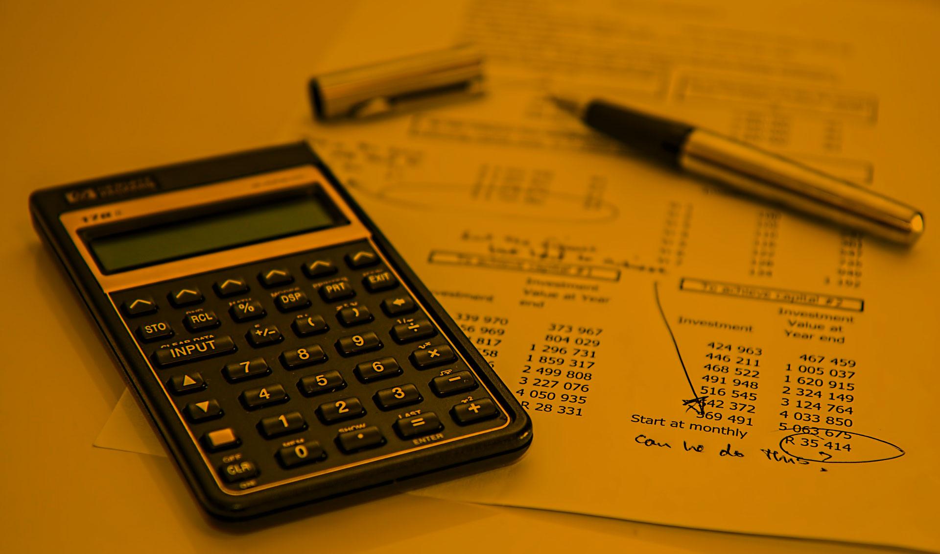 Finanzberater, Immobilienmakler und Banken